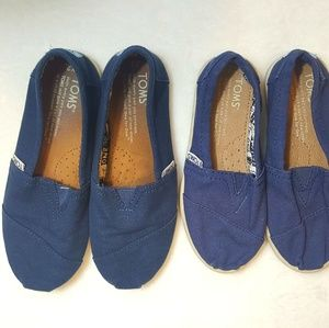 Toms Navy blue canvas kids slip on shoes (2 pair)